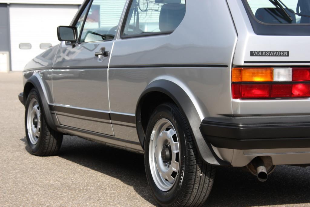 volkswagen golf 1 gti 1600 voitures vintage. Black Bedroom Furniture Sets. Home Design Ideas